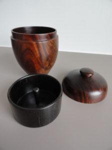 urne funéraire avec sa coupelle